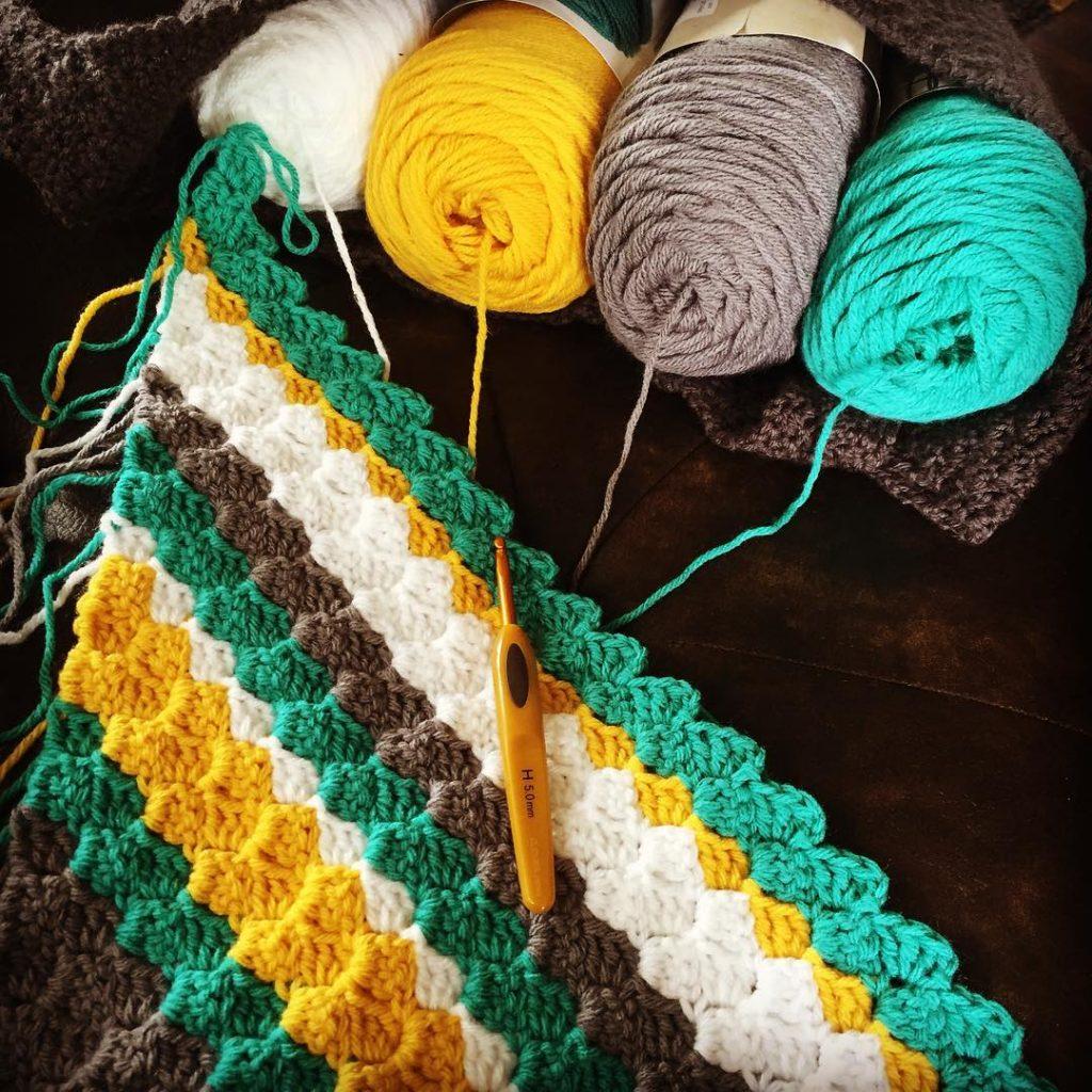 Big Twist Yarn Patterns Simple Decorating